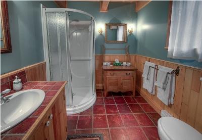 Salle de bain du chalet 1 pour location de chalet